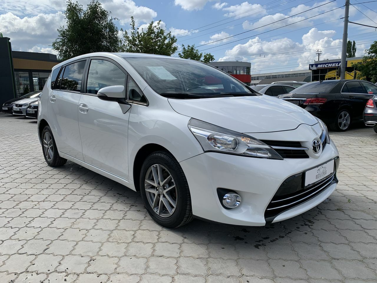 "<span style=""font-weight: 700;"">Toyota verso</span>"
